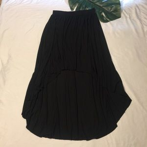 AMERICAN EAGLE OUTFITTERS | black high-low skirt